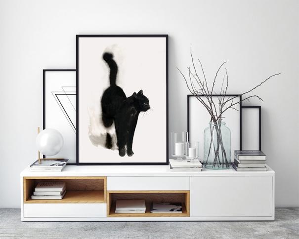 svart katt står2
